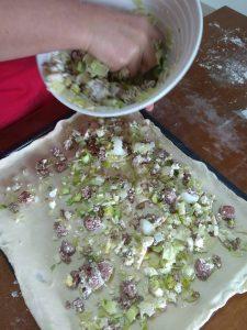 Πρασόπιτα με χωριάτικο λουκάνικο και φέτα